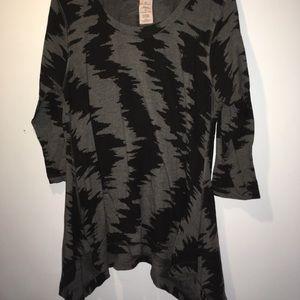 Philosophy Gray and Black 3/4 Sleeve Tunic